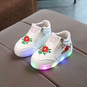 Picture of Fashionable White Flower Rose Shoes With Lighting