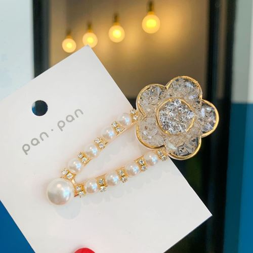 Picture of Korea Trendy Stylist Crystal Flower Hair Clip Accessories